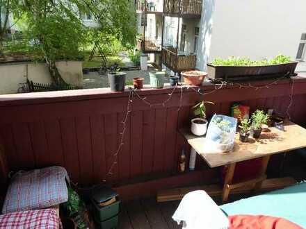 Gemütliches Zimmer mit Hochbett in 4er-WG (115 qm) mit Balkon