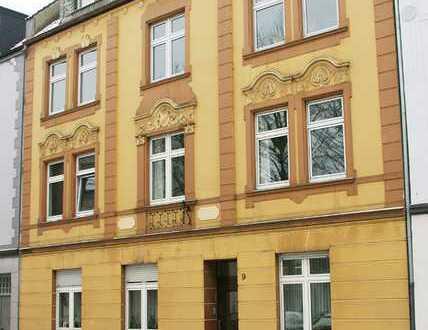 Vollständig renovierte 1-Zimmer-Dachgeschosswohnung mit EBK in Bochum