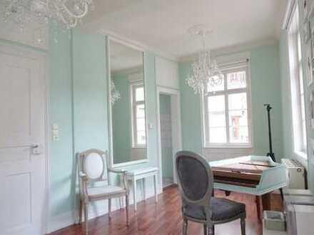 Bezaubernde 3-Zimmer-Altbau-Wohnung im klassizistischen Stil - inmitten der Altstadt!