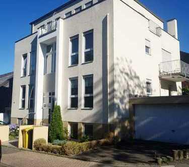 Exklusive, gepflegte 2,5-Zimmer-Maisonette-Wohnung mit Terrasse, Garten und Garage in Frechen