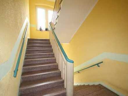 // Familienwohnung - 1.OG - Laminat - neuer Balkon //