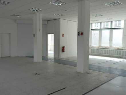 Moderne, freundliche und sehr helle Büro-/Schulungsräume