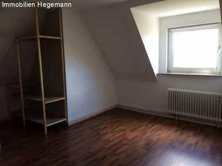 4 Zimmer Dachgeschoss Wohnung nahe Fachhochschule! Nur für Studenten !