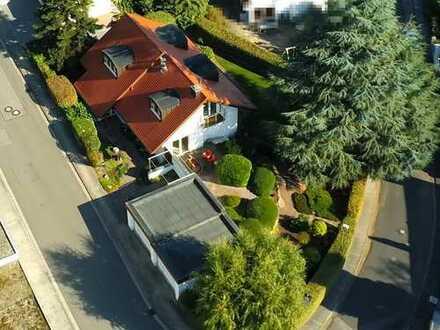 Ihr Traumhaus wartet auf Sie! Sie suchen besten, modernen Wohnkomfort in ruhiger Höhenlage und schön