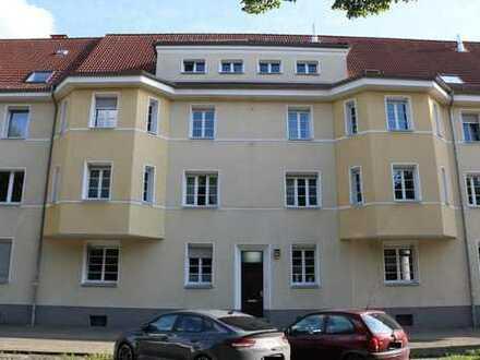 Charmante und gepflegte 3,5 Raum-Etagenwohnung mit Loggia u. Gartenanteil in guter Lage von Buer-