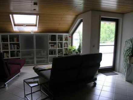 Maisonettwohnung im Loft Stil in einem Mehrfamilienfamilienhaus