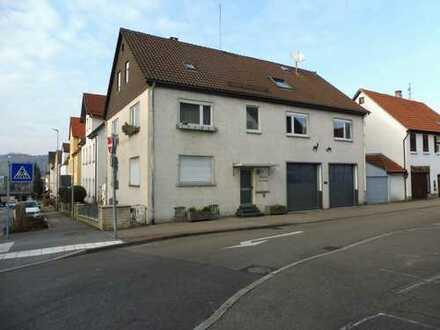 Wohnhaus mit Werkstatt in zentraler Lage