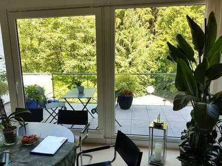 Attraktive Wohnung, zwei tolle Balkone, idyllisch gelegen, in historischem Gebäude