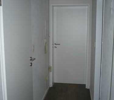 Schöne renovierte 2 Zi.-Wohnung - Großzügig, ruhig, hell, zentral