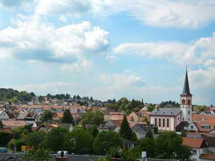 Gepflegte 4,5-Zimmer-Maisonette-Wohnung mit Dachterrasse und Einbauküche in Roßdorf