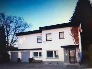Charmantes Einfamilienhaus mit Kamin großem Balkon und Doppelgarage