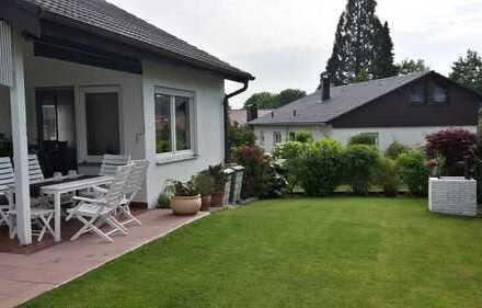 Schönes Zweifamilienhaus in exklusiver Wohnlage im Einzugsgebiet Stuttgart