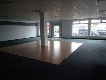 Ladenlokal, Büro, Praxis oder ähnliches in Hirschaid Gewerbepark zu vermieten