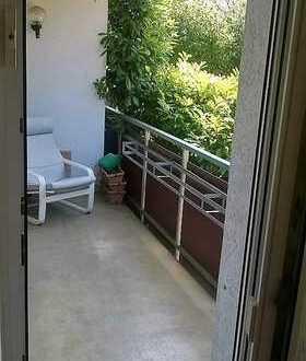 Geräumiges Zimmer mit Balkon in Uninähe