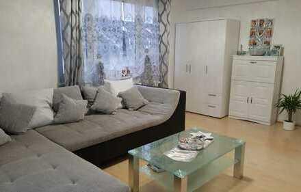 Vollständig renovierte 2-Zimmer-Wohnung mit Balkon in Wiesbaden