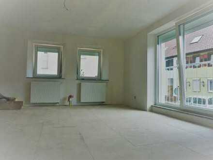 Schöne Kern-sanierte 4 Zimmer-Wohnung in Neuhausen/Steinegg !!