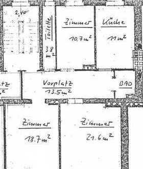 Erstbezug nach Sanierung: freundliche 4-Zimmer-Wohnung mit Balkon in Hof