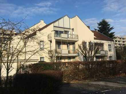 Schöne 3-Zimmer-Wohnung mit Balkon und EBK im DG in Bemerode