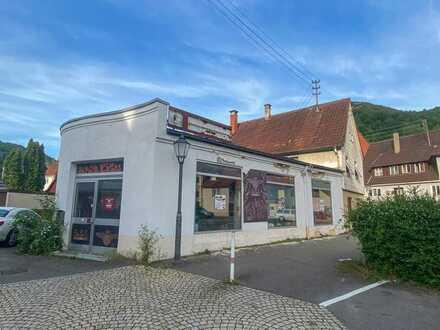 Vielseitig nutzbare Ladenfläche mit großem Schaufenster (Barber Shop, Shisha Bar oder Ähnliches)