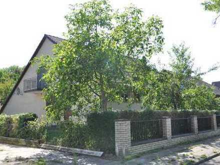 Familienidyll! Einfamilienhaus mit großem Grundstück in Hummelsbüttel