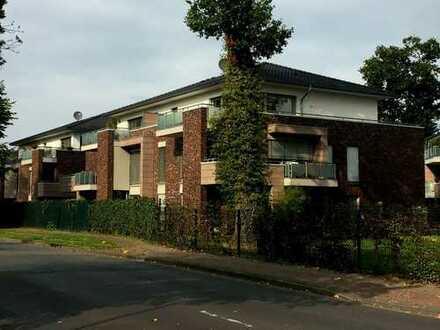 Neuwertige 2-Zimmer-DG-Wohnung mit Balkon und Einbauküche in Cloppenburg