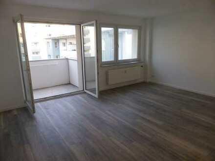 Frisch sanierte 3-Zimmerwohnung - WG-geeignet - mit Balkon nähe FH und Köln-Arcaden