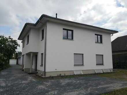 Schönes, geräumiges Haus mit vier Zimmern in Berlin, Marzahn