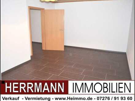 Lust auf eine 90 m² Wohnung in einem 2-FH mit Nebengebäude inkl. Doppelgarage u. 30 m² Dachterrasse