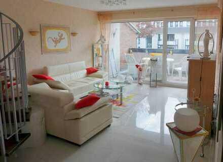Modern ausgestattete 4 Zi. Maisonette-Wohnung mit Balkon in ruhiger Lage