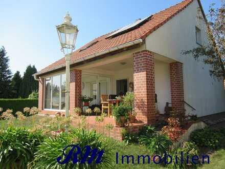 --- Kleines Einfamilienhaus mit Kamin - Solaranlage - 2 Zimmern ---