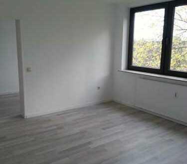 sehr schöne 1,5- Zimmer- Wohnung im 2. Obergeschoss zu vermieten! Frisch renoviert