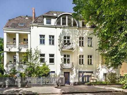 Ab sofort bezugsfrei! Helle, ruhig gelegene Wohnung im 1. Obergeschoss in Berliner Altbau