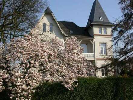 Modernisierte 2-Zimmer-Wohnung mit Balkon und EBK in Denkmalgeschütztes Haus in Kleve