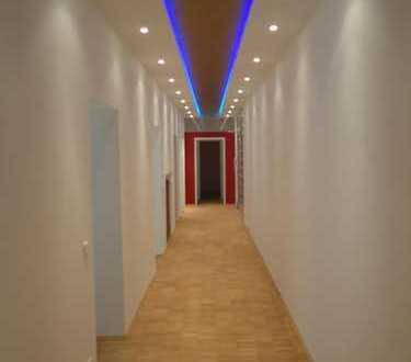 Top-Lage Volksgarten *Büroloft/Galerie/Praxis mit 2 Stellplätzen*