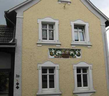 möbliertes Studentenappartement in Rhein-Nähe - umfassend renoviert -