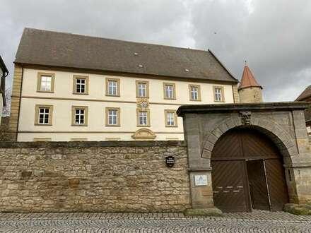 Großzügige Praxis-/Büroräume im historischen Ambiente in Seßlach