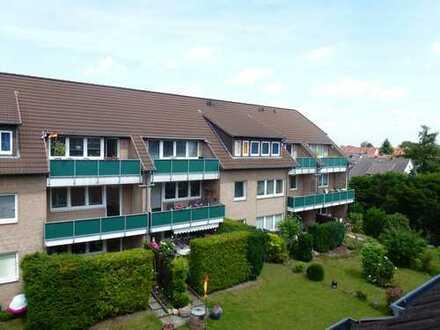 Kaptialanlage - Hannover-Ahlem: Attraktives Mehrfamilienhaus mit 9 Wohneinheiten und 9 Garagen!