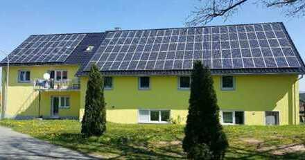 Energieeffizientes Mehrfamilienhaus | 10.000 qm Grund | Nebengebäude | Photovoltaik