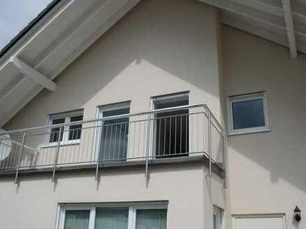 Sonnige Obergeschosswohnung in Zweifamilienhaus