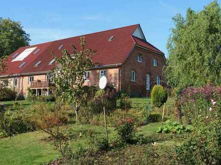 Schönes Anwesen in Dumsevitz bei Garz mit 8 Zi, 3 Bäder, ELW, Terrassen, Balkon, Garage - Wassernähe