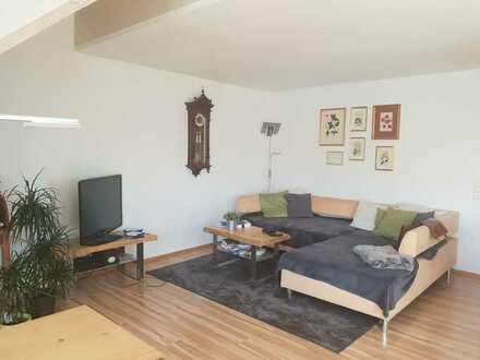 schöne 4 Zimmer-Studio-Wohnung in Sickenhausen