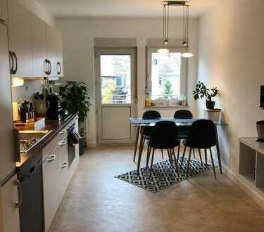 Schöne vier Zimmer WG mit Einbauküche in Karlsruhe, Weststadt