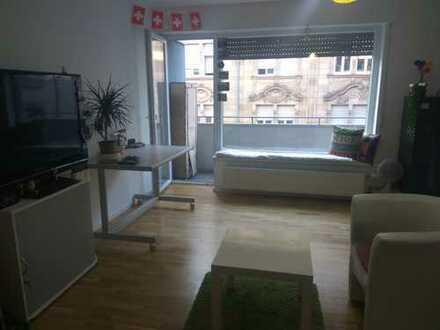 Neckarblick! Komplett sanierte Etagenwohnung mit großer Wohnküche und zwei Balkonen!