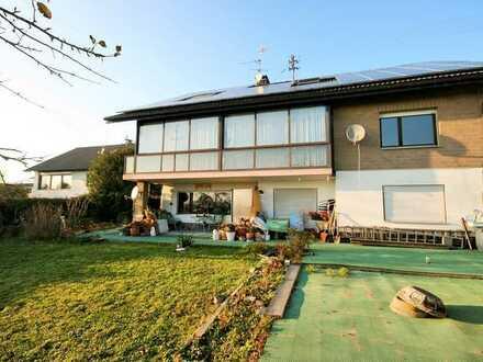 Beste Lage ! Sehr Großes Einfamilienhaus mit Einliegerwohnung in Steinen-Hägelberg