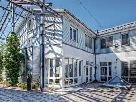 Großzügige Gewerbehalle mit Penthouse-Wohnung zu verkaufen!