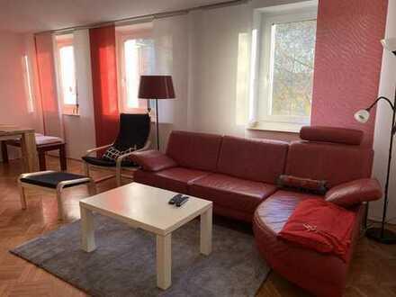 Komplett möblierte und ausgestattete geräumige zwei Zimmer Wohnung in Düsseldorf, Derendorf