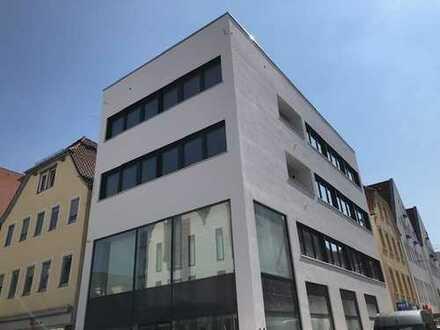 Schönes 4-Raum Büro im 3. OG in der Stadtmitte!