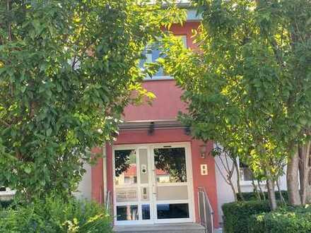 Hochwertige Maisonette-Wohnung mit dreieinhalb Zimmern und großem Südwest-Balkon in Gau-Bickelheim