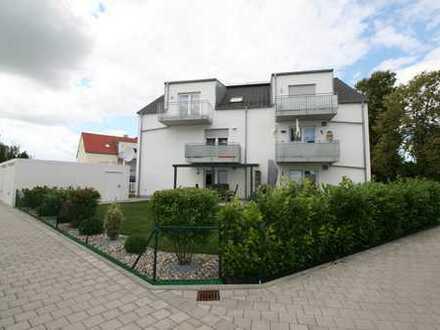 Neuwertige 3-Zimmer-DG-Wohnung mit Balkon und Einbauküche/Garderobe in Reichertshofen