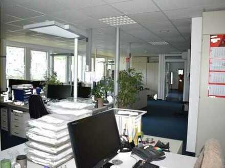Großes modernes freistehendes Büroanwesen 800 m² mit Loft- Halle 1.300 m²